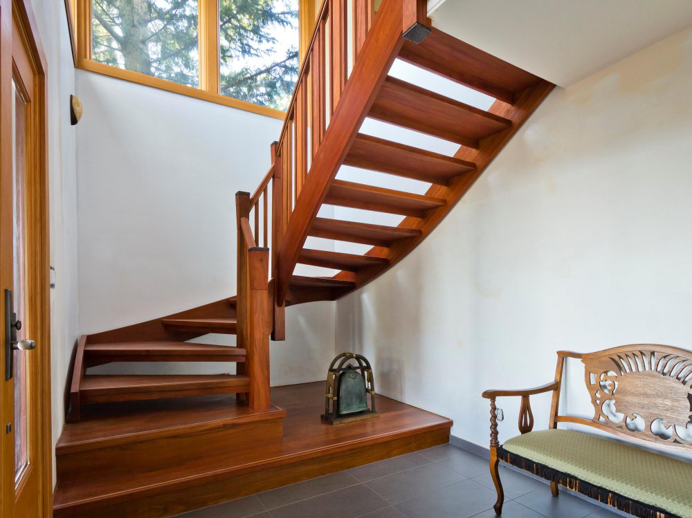 Maderas para escaleras venta de madera para escaleras for Materiales para escaleras
