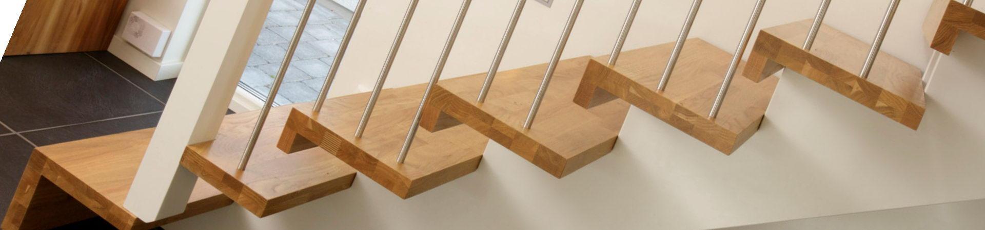 Escaleras de madera para exteriores simple guayubira for Escalera plegable aluminio sodimac